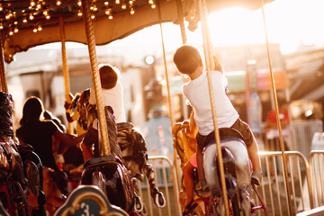 Papiers peints Attraction parc carousel in park