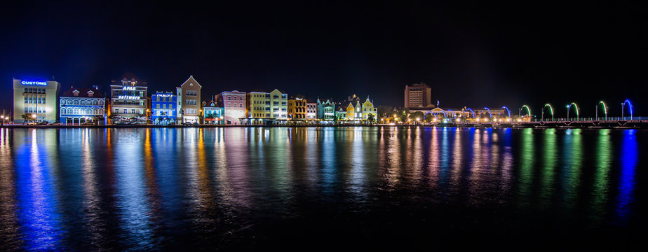 Panorama Willemstad Curacao bei Nacht