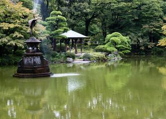 Unkei pond and Crane fountain in Hibiya park - Tokyo, Japan