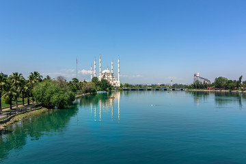 Adana city center, located on the banks of the Seyhan River, is the largest mosque in Turkey.