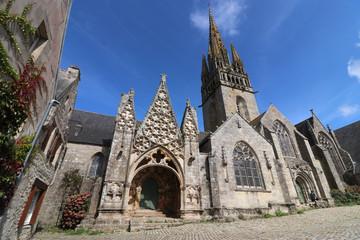 Pont Croix mit Kirche Notre-Dame de Roscudon, Bretagne