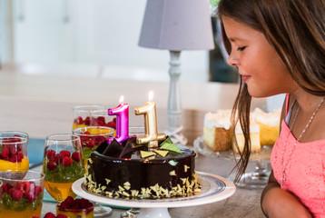 Obraz Urodziny dziecka, kinderbal, tort urodzinowy, sto lat, happy birthday - fototapety do salonu