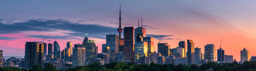 Photo sur Toile Toronto Toronto city view from Riverdale Avenue. Ontario, Canada