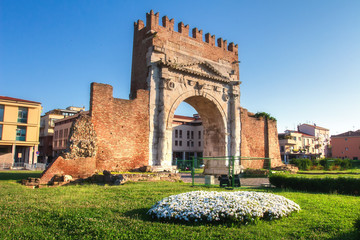 Rimini landmark of Arch of Augustus. Famous Triumphal Arch in Rimini on clear day, Italy Fototapete
