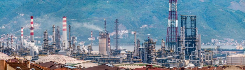 Tupras Izmit (Kocaeli) petroleum refinery. Tupras is Turkey's largest oil refinery