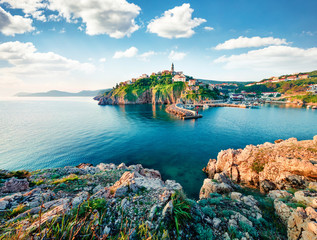 Foto auf AluDibond Schiff Exciting morning cityscape of Vrbnik town. Splendid summer seascape of Adriatic sea, Krk island, Kvarner bay archipelago, Croatia, Europe. Beautiful world of Mediterranean countries.