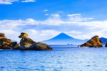 Wall Mural - 伊豆半島雲見海岸から眺める富士山、静岡県賀茂郡松崎町にて