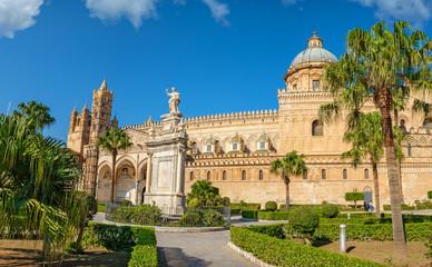 La pose en embrasure Palerme Cathedral of Palermo. Sicily, Italy