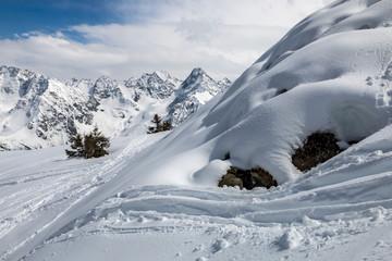 Puy Gris , Les Alpes en hiver , chaîne de Belledonne , vallée d' Allevard, Isère , France