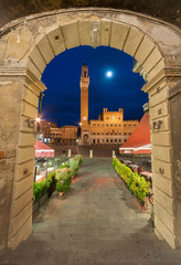 Fotomurales - Piazza del Campo of historical city Siena, Italy