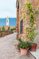 Fototapete - Historical alley in Pienza Tuscany, Italy