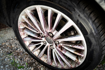 Cleaning aluminum wheels. Car washing. Car wash.