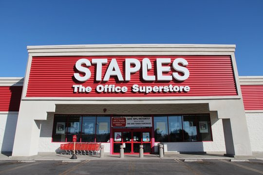 RIDGECREST, UNITED STATES - APRIL 13, 2014: Staples Office Superstore in Ridgecrest, California. The office supply store chain has more than 2,200 stores worldwide in 26 countries.