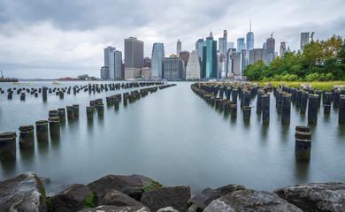 Manhattan New York skyline seen from Brooklyn - image