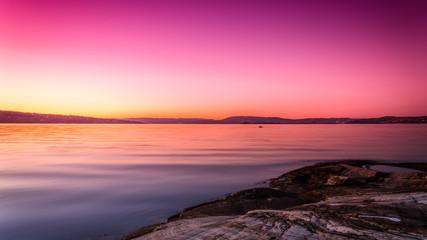 Foto auf AluDibond Rosa Lovey Zachód słońca nad Oslo w Norwegii