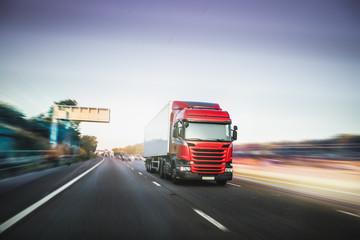 Lorry driving on motorway M1 United Kingdom Fototapete