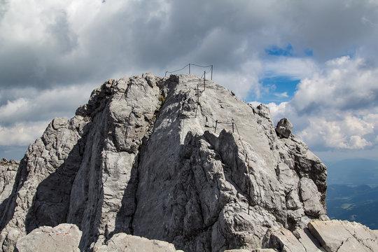 AB sicherung des Klettersteig der Gipfelüberschreitung des Watzmann Grats