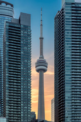 Papiers peints Toronto CN Tower in Toronto downtown at sunset, Ontario, Canada