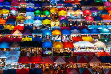 Train night market in Ratchadapisek Bangkok Fotomurales