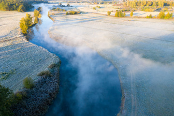 Fototapete - Autumn landscape with fog and river