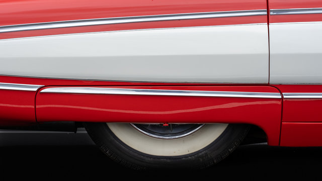Side view of a classic american car from the fifties.