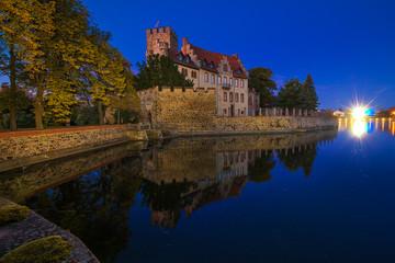 Wasserschloss Flechtingen zur blauen Stunde 2