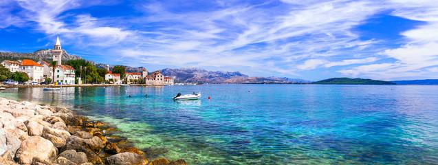 Photo sur Aluminium Europe Méditérranéenne Idyllic coastal villages in Croatia. Kastella in Dalmatia.Kastel Stafilic village