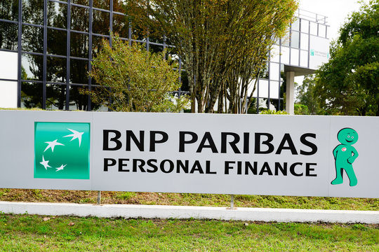 bnp paribas personal finance french multinational bank logo sign office
