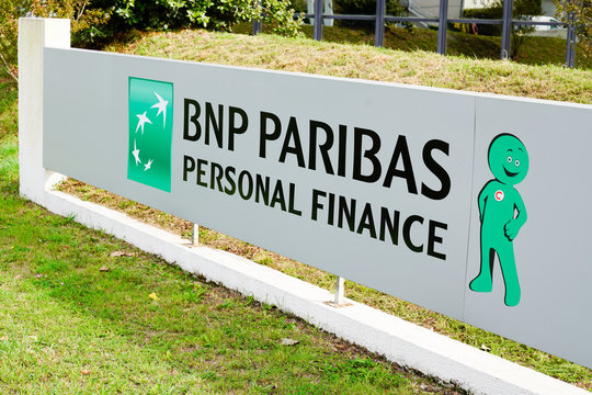 office sign bnp paribas personal finance french multinational bank