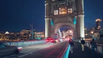 Fotomurales - hyper lapse, Car traffic at Tower bridge, night in London, UK