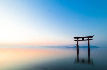 琵琶湖 白髭神社 朝景