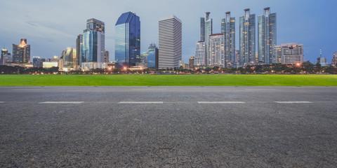 Fotomurales - Empty highway asphalt road and city landscape background