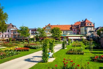 Fototapete - Rosengarten, Bad Kissingen, Bayern, Deutschland