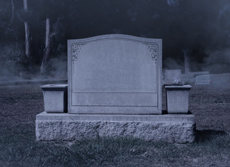 Blank Spooky Halloween Grave Stone at Night Fototapete