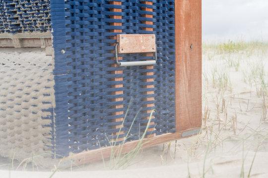 Strandkorb im Wind