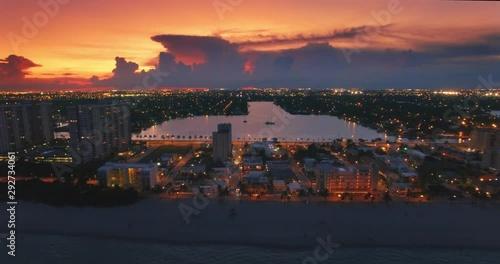 Fotobehang Aerial view of residential neighborhood between Pacific Ocean and Stranahan River at night in Hollywood. Miami, Florida. 4K UHD