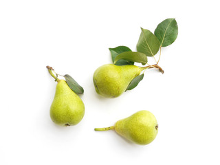 Fototapete - Green pears with leaves isolated on white background, top view