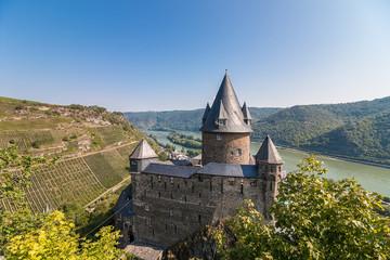 Rheinblick über Burg Stahleck