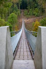 Hängeseilbrücke über dem Bärental in der Hohen Schrecke