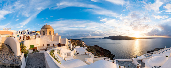 Panorama Oia Village during sunset. Greece Santorini Island Fototapete