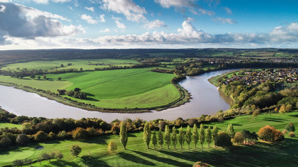 Drone shot of Bristol countryside and the River Severn wending its way through Fotomurales