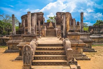 In de dag Oude gebouw Sacred Quadrangle at Polonnaruwa Ancient city, Sri Lanka