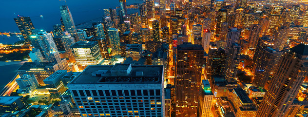 Photo sur Toile Chicago Chicago cityscape skyscrapers at night aerial view