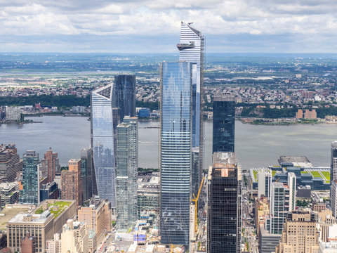 New York, NY, USA. View of skyscrapers at Hudson Yards and the new observation deck. The new neighborhood on the West Side of Midtown Manhattan