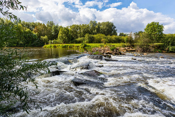 Wasserfall in der Leine bei Neustadt/RBGE Fototapete