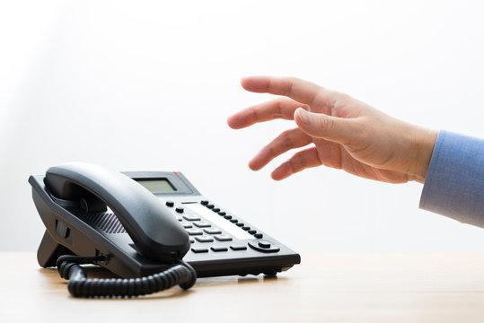 ビジネス電話 手