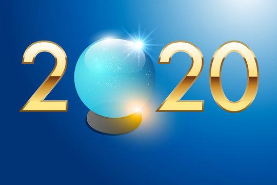 2020 est écrit en chiffres dorés sur un fond bleu avec une boule de cristal pour prévoir l'avenir.