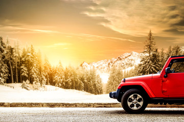 Poster Glisse hiver Red winter car and landscape of mountains