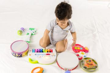 bebê e a música