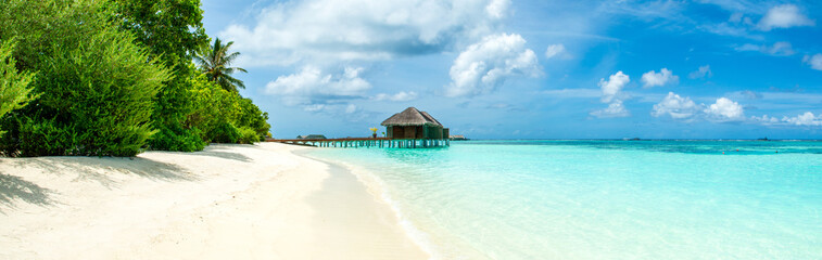 Autocollant pour porte Bleu Beautiful sandy beach, Maldives island